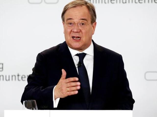 Steuern : Laschet und Söder versprechen Wirtschaft Steuersenkungen