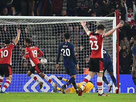 International: FA Cup: Spurs müssen ins Wiederholungsspiel