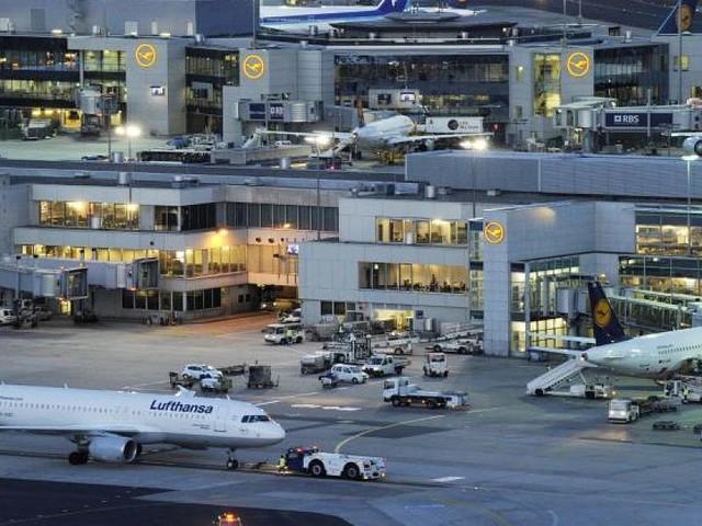 Unfall am Frankfurter Flughafen - Flugzeuge krachen nach Landung zusammen - was bisher bekannt ist