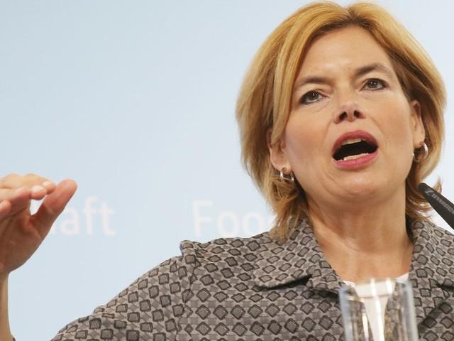 Ministerin Klöckner fordert Zulassungsstopp von Farbstoff Titandioxid im Essen