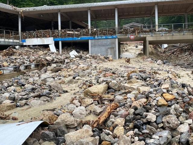 Unwetter-News: Seehofer plant Besuch der Einsatzkräfte im Katastrophengebiet ++ Aufatmen in Bayern – Lage entspannt sich