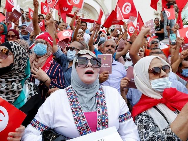 Tausende demonstrierten gegen Tunesiens Präsidenten