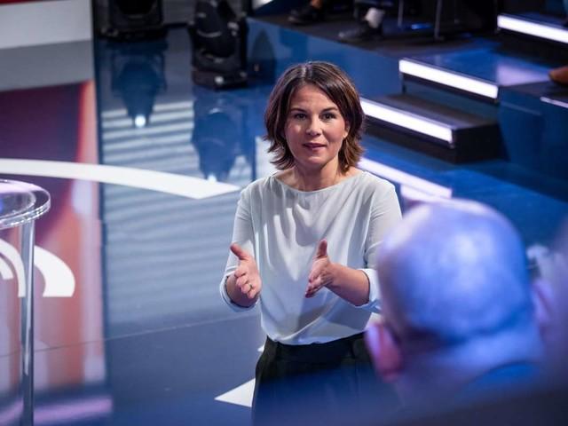 """""""Klartext"""" im ZDF: Das sagt Baerbock zu Spritpreisen und Landwirtschaft"""