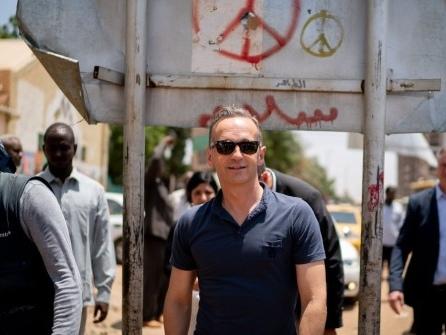 Merkel und Maas sagen Sudan nach Umsturz Unterstützung zu