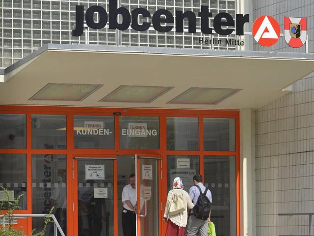 Warum für viele der Gang zum Jobcenter so unangenehm ist wie ein Zahnarztbesuch