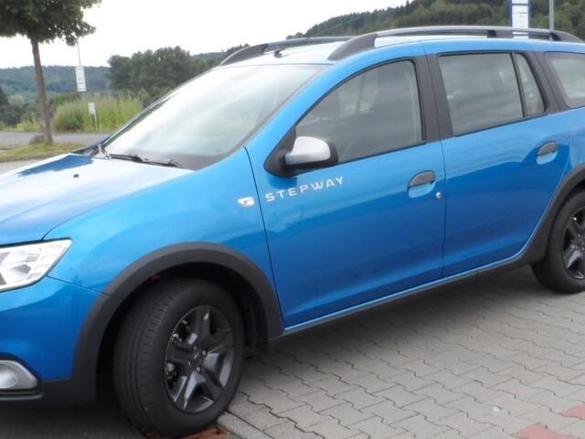 Er ist großzügig zu Passagieren und Gepäck: Dacia Logan MCV bei Presseweller im Praxistest
