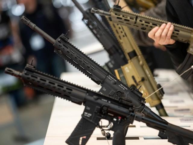 Waffenindustrie: Mitarbeiter von Heckler & Koch sollen unbezahlt mehr arbeiten