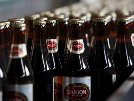 Notfall in Vietnam: Ärzte behandeln Alkoholvergiftung mit Dosenbier