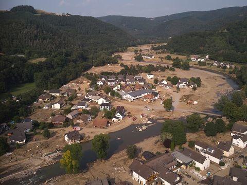 Starke Niederschläge: Helfer sollen Katastrophengebiet Ahr schnell verlassen