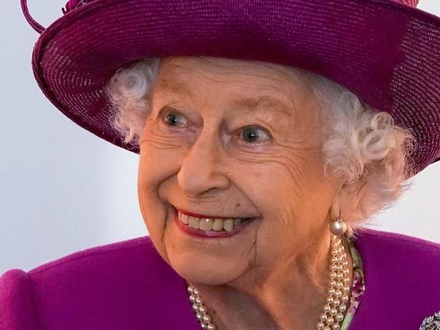 Queen Elizabeths wilder Kommentar, nachdem sie Prinz William zum ersten Mal gesehen hat