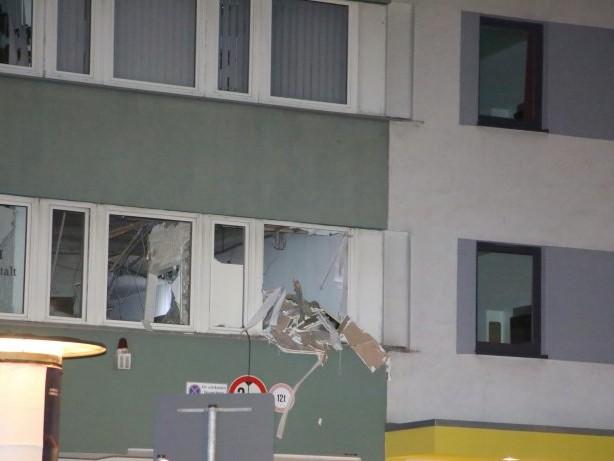 Berlin: Heftige Explosion in Schöneberg: Räuber sprengen Tresor
