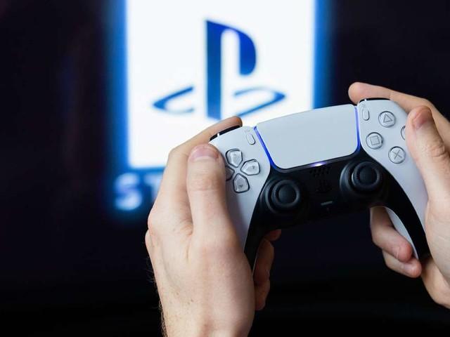 Lässt sich der DualSense-Controller der PS5 auf der PS4 nutzen?