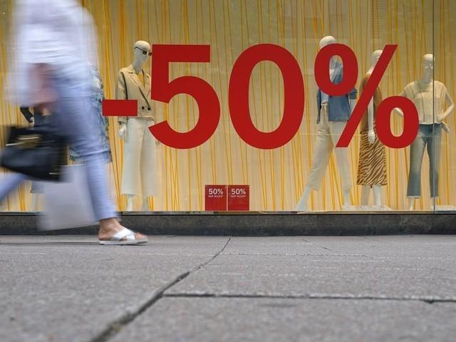 Lockerungen der Corona-Regeln: Einzelhandel setzt mehr um