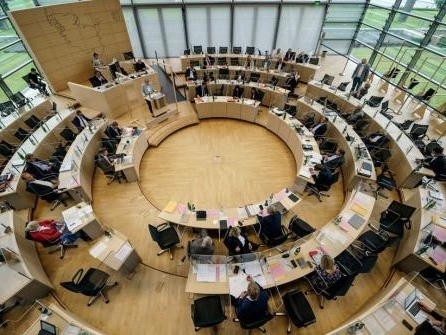 Landtag berät: Schleswig-Holsteins Weg raus aus der Pandemie