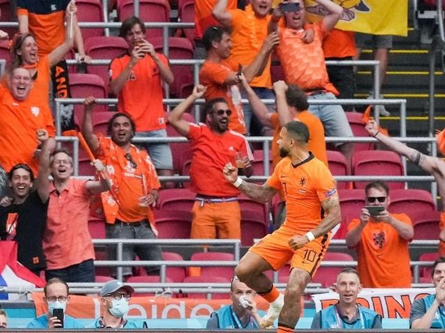 Begeisternde Niederländer vorzeitig im Achtelfinale