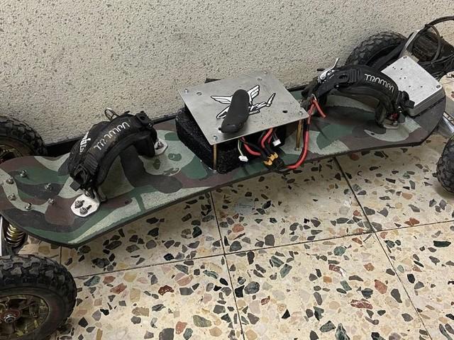 Mann verliert Führerschein wegen rasanter Skateboard-Fahrt