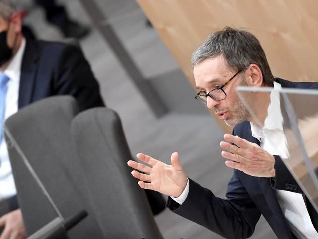 Heftiger Schlagabtausch zwischen Nehammer und FPÖ