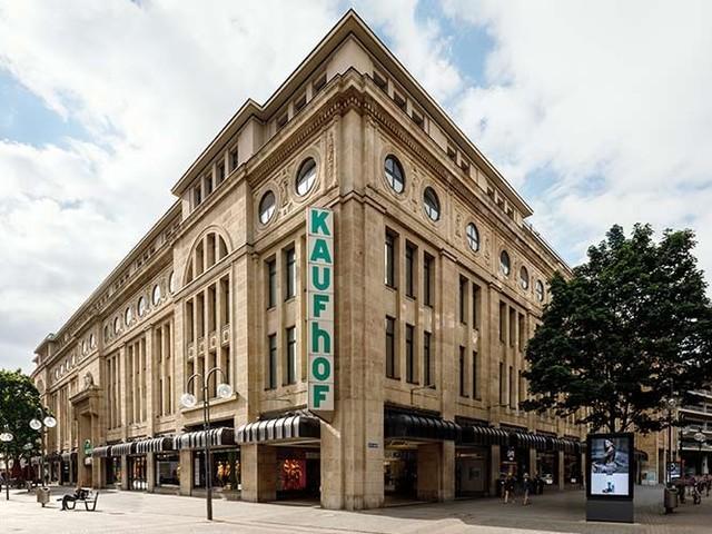 Immobilienkonzern DIC Asset bestätigt Prognose nach Galeria Kaufhof-Einigung