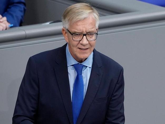 Bundestagswahl: Linke: Nato-Austritt nicht Bedingung für Koalition