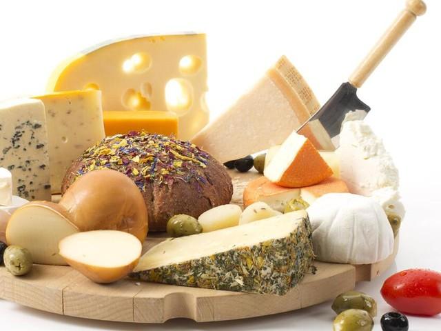 Macht uns Käse süchtig? Casomorphine kann wie eine Droge wirken