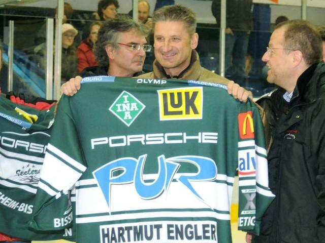 Bietigheim Steelers: Hartmut Engler und sein Eishockey-Song