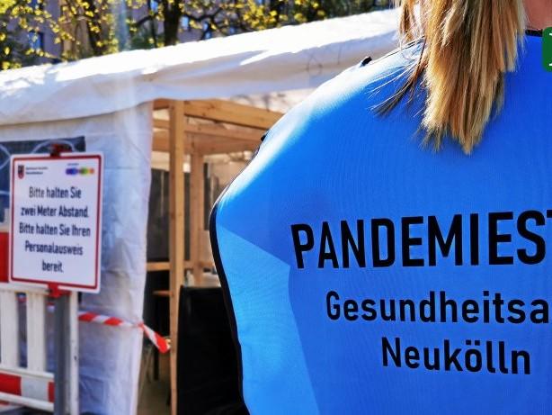 Impfungen für Neukölln: Gesundheitsstadtrat begrüßt Impfdosen für Brennpunkte