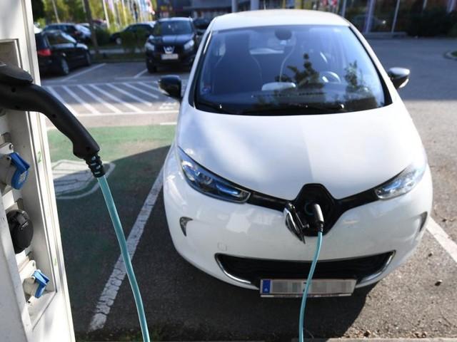 Deutsche Autoindustrie steuert 2 Mrd. Euro zu E-Autoprämie bei