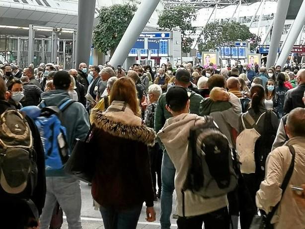 Flughafen: Räumung am Düsseldorfer Flughafen