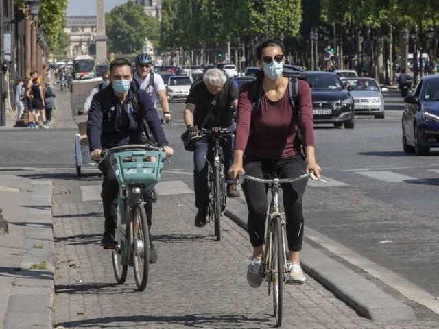 Coronavirus in Frankreich: Paris führt Maskenpflicht im Freien ein