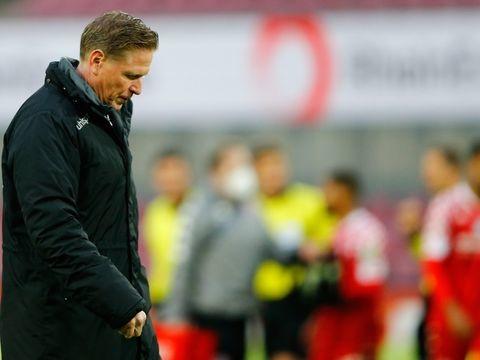 Bundesliga - Medien: 1. FC Köln beurlaubt Trainer Gisdol
