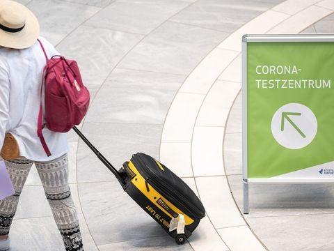 Corona-Pandemie - RKI: Zunehmend Corona-Fälle nach Reisen gemeldet
