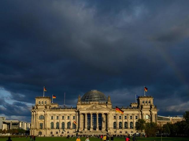 Klimaschutzgesetz: Deutschland erhöht Steuern auf Flugtickets