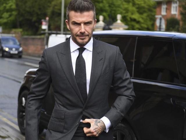 Handy am Steuer: Sechs Monate Führerscheinentzug für David Beckham