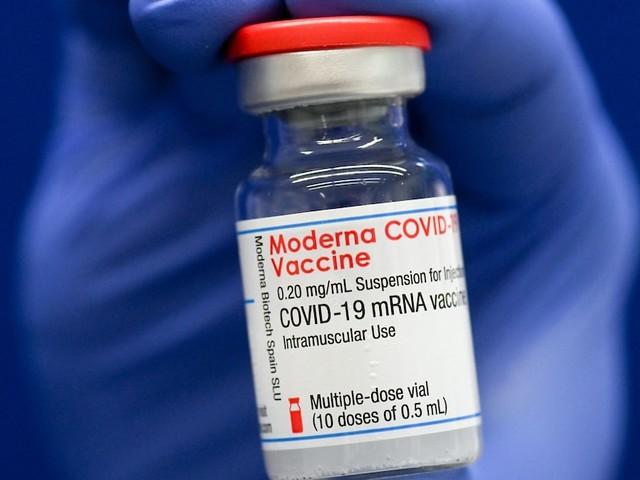 Neue Impfstoff-Studie - Impfschutz bei Biontech lässt wohl schneller nach als bei Moderna: US-Studie nennt Zeitraum