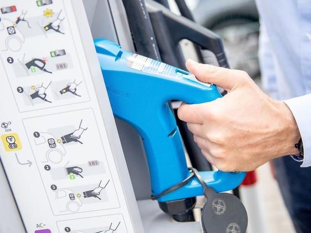 Zu hohe Fahrzeugkosten? - Praktische Tipps für Autofahrer: So sparen Sie bares Geld