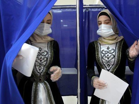 Russland-Wahl: Russische Kremlpartei feiert Sieg - Viele Verstöße