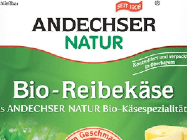 Bei vielen Händlern verkauft - Gefahr durch Kunststoffteile: Andechser ruft bundesweit Bio-Reibekäse zurück