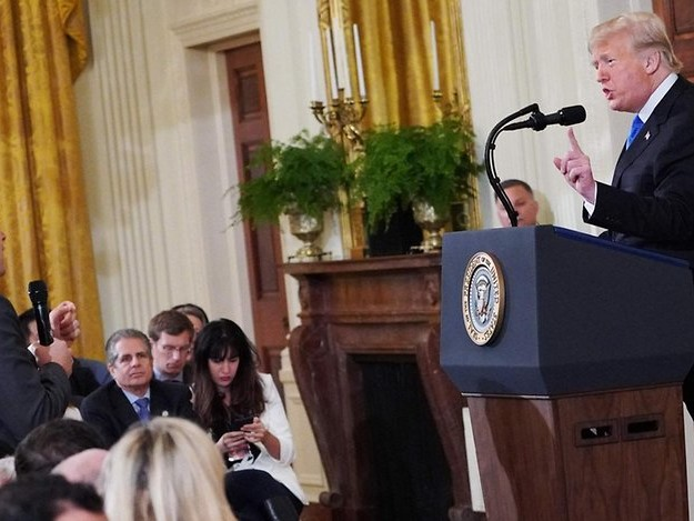 Nach Trumps Streit mit Korrespondent: Fox News unterstützt CNN