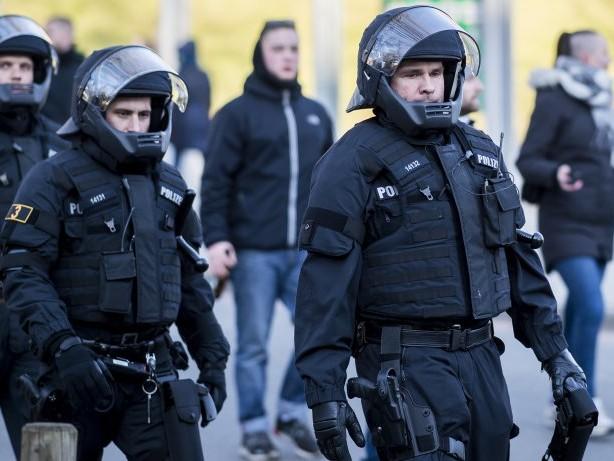 Bundesliga: Neun Verletzte bei Randale in Hamburg