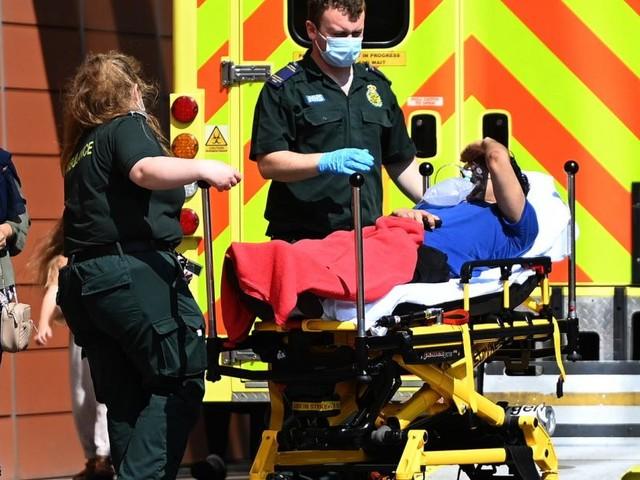 """Großbritannien: Patienten auf Intensivstationen werden """"jünger und jünger"""""""