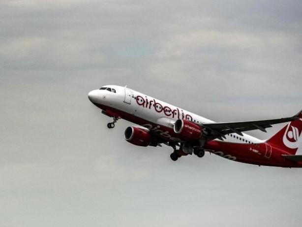 Kein Komplettverkauf: Bericht: Mehr als zehn Interessenten für Air Berlin