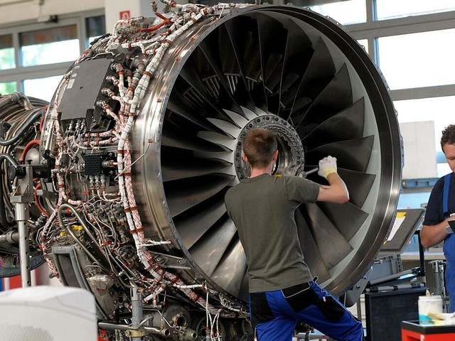 Triebwerksbauer: MTU Aero Engines sieht sich trotz Gewinnrückgangs auf Kurs