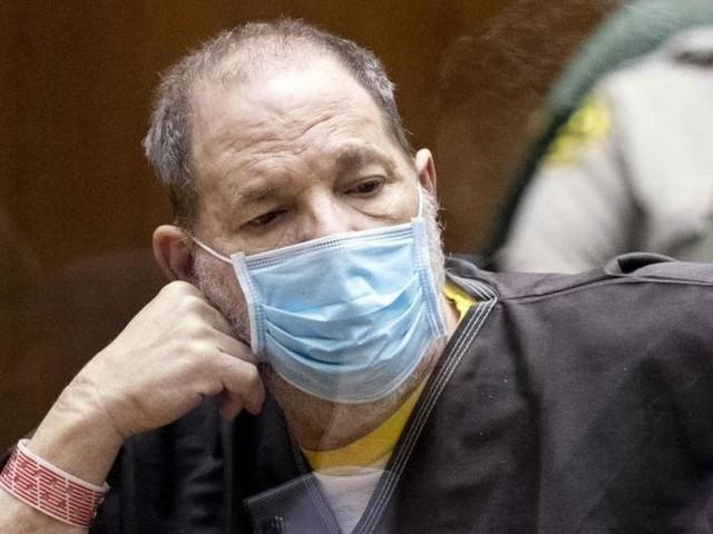 Richterin lässt einen Anklagepunkt gegen Weinstein fallen