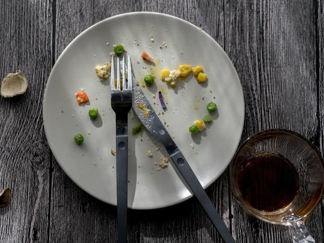 Abnehmen: Woher weiß das Gehirn, wann der Magen voll ist?