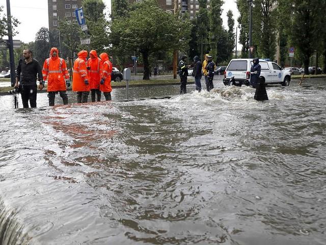 560 Notrufe allein aus dem Val-de-Ruz - Unwetter verwüsten Gebiete in Schweiz und Italien