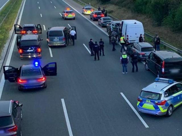 Fahrgäste inBus verletzt - Vorwurf: versuchter Totschlag