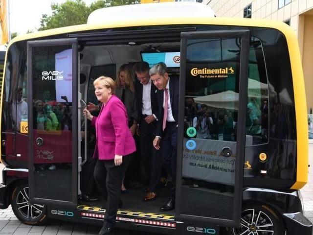 Merkel dringt für neue Mobilität auf 5G und mehr Ladepunkte
