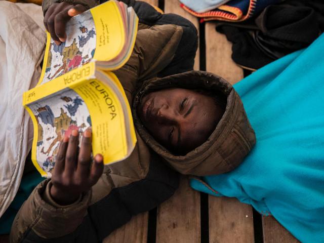 Italien: Mehr als 360 Migranten dürfen in Sizilien an Land