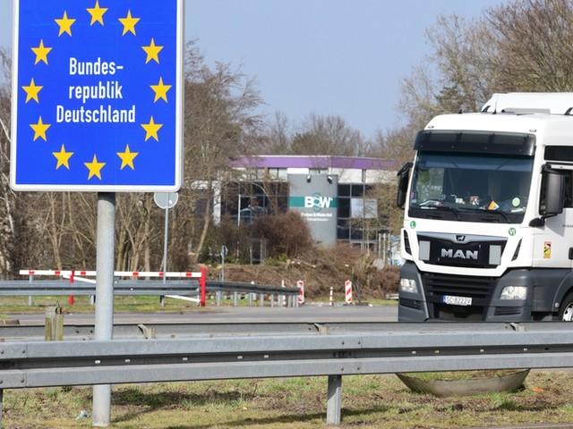 Corona-News: RKI registriert 9997 Neuinfektionen und 394 neue Todesfälle +++ Merkel: Keine Kontrollen an Grenze zu Frankreich