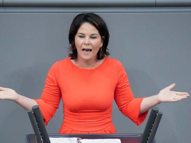 """Wirbel um Aussage - Baerbock sagt """"N-Wort"""" in Interview - Grüne wollten Passage rausschneiden lassen"""